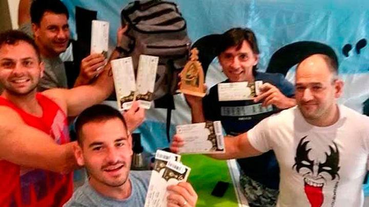 Cinco argentinos podrán ver a su equipo en el Mundial al recuperar un policía sus 15 entradas