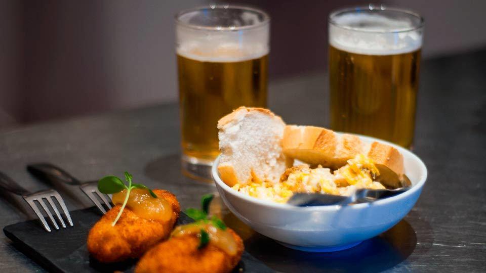 Alcalá Gastronómica Fomentur dedicará el mes de julio a las cervezas artesanales, catas y maridajes con esas cervezas