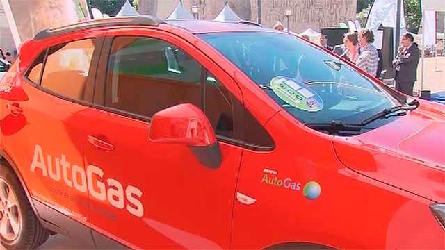 Automóvil movido por gas licuado del petroleo