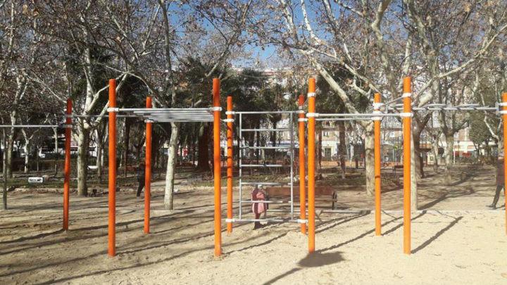 El parque Calero de Ciudad Lineal estrena calistenia y un rocódromo
