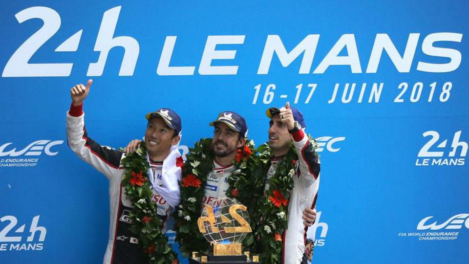 Fernando Alonso, Sébastien Buemi y Kazuki Nakajima