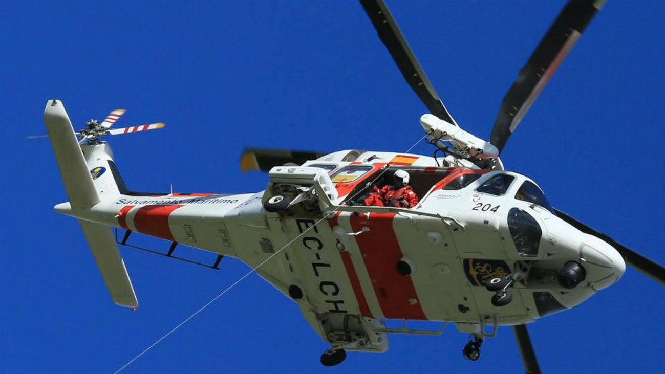 Salvamento rescata a 152 inmigrantes en un cayuco a 370 Km al sur de Canarias