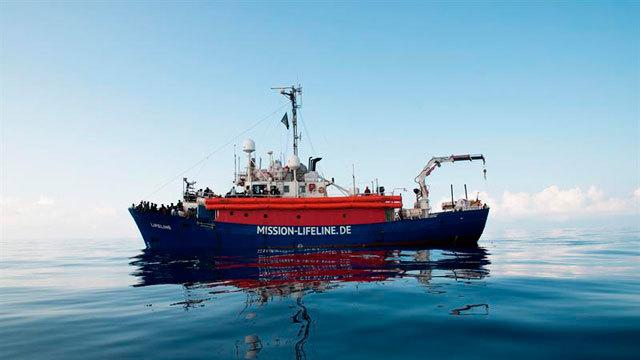 El barco de la ONG alemana Lifeline