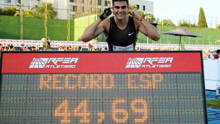 Hortelano bate en Madrid el récord de España de 400 metros