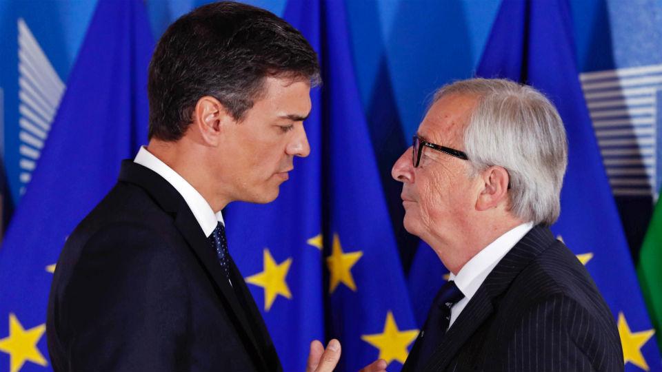 """Sánchez ve """"un punto de partida"""" la propuesta de los centros de desembarco en la UE"""