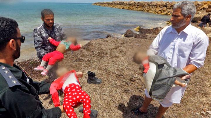 El Mediterráneo devuelve a las costas libias los cuerpos de tres bebés