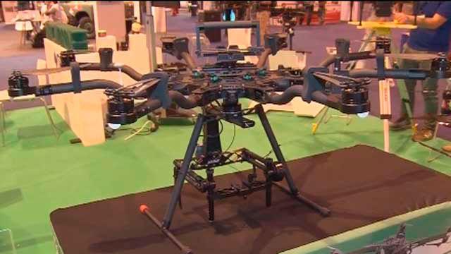 Uno de los drones expuesto