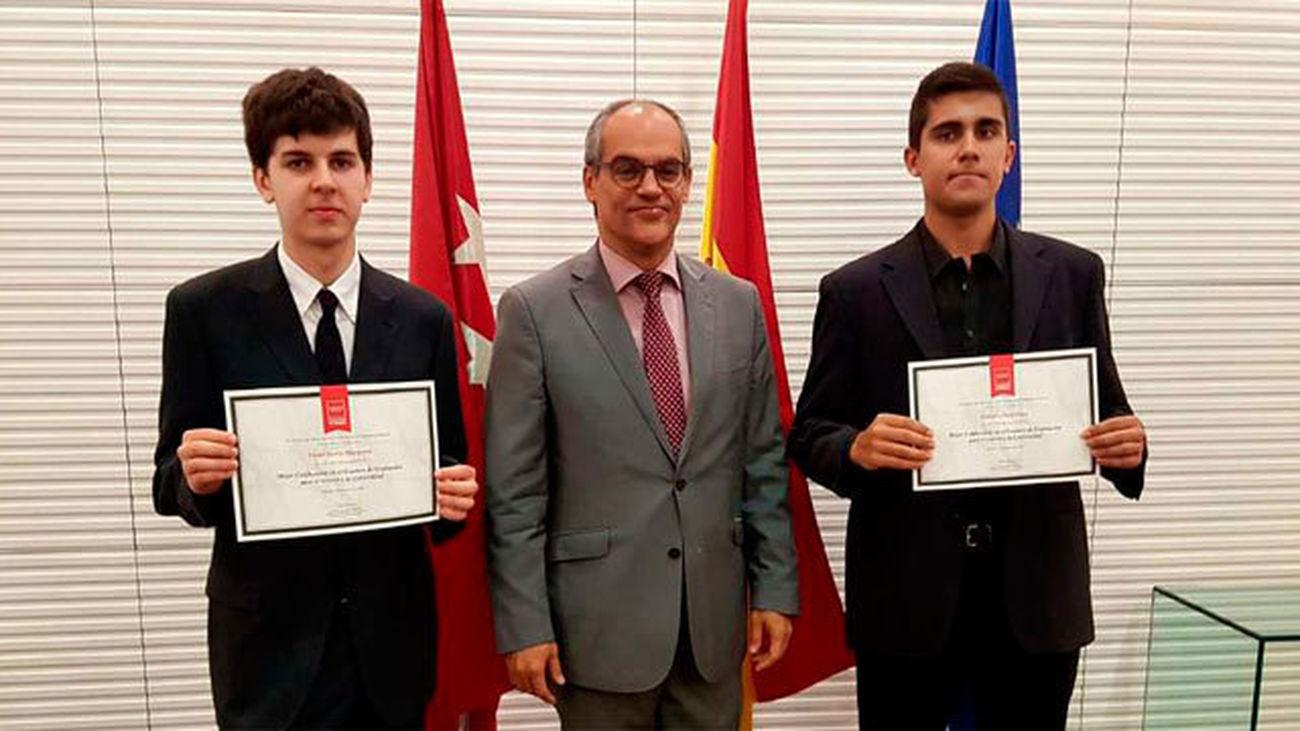 Los mejores alumnos de la EvAU en Madrid estudiarán Medicina y  Economía