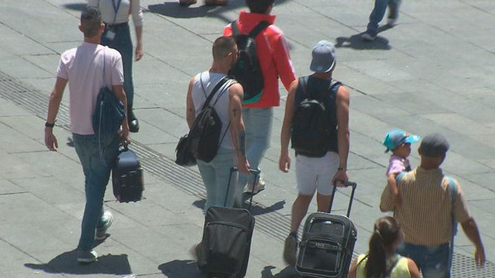 El Orgullo en Madrid atrae a menos turistas que en 2017 pero gastarán más