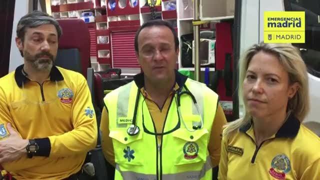 Dos policías asisten a una mujer a dar a luz en plena calle en Ciudad Lineal