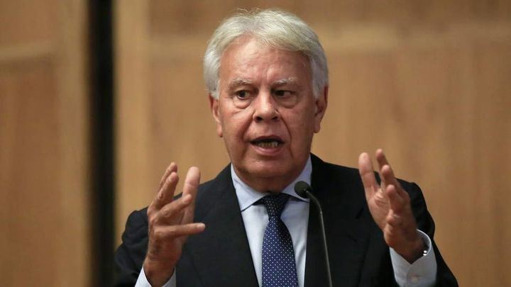 González, primer expresidente que abre al público sus archivos y documentos