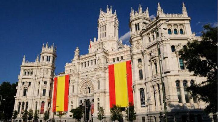 Madrid se engalana para la coronación de Felipe VI