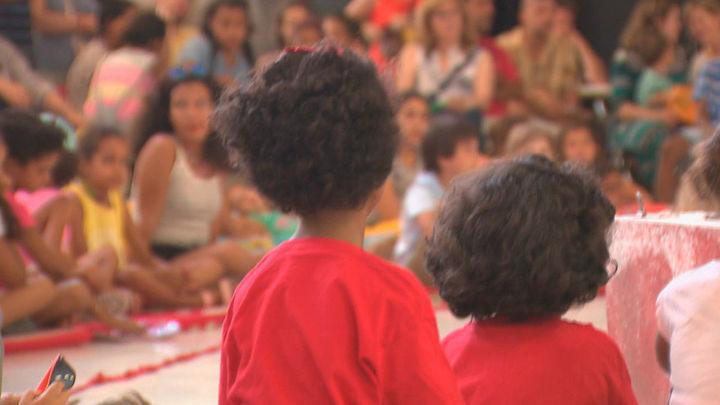 Arganzuela da la bienvenida a 80 niños saharauis de 'Vacaciones en paz'