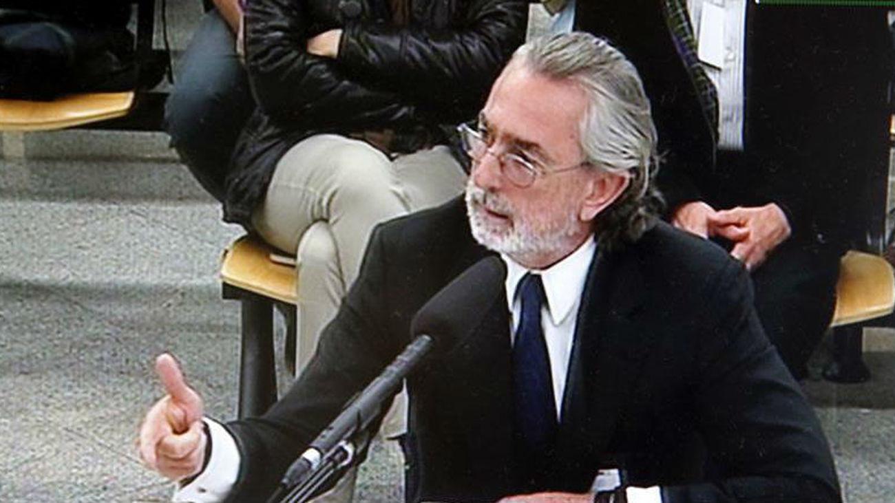 Correa reconoce que amañó contratos y se repartió comisiones con Bárcenas