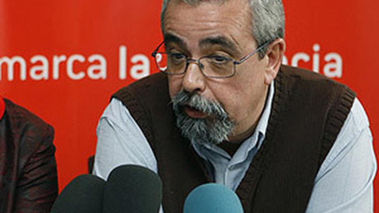 Entrevista a Ángel Pérez, portavoz de IU en el Ayuntamiento, señala el batacazo de su partido