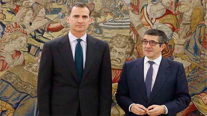 Felipe VI tiene que dicidir si deja actuar a los partidos o convoca nuevas elecciones.