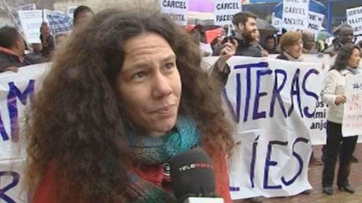Manifestantes piden frente al CIE de Aluche el cierre del centro