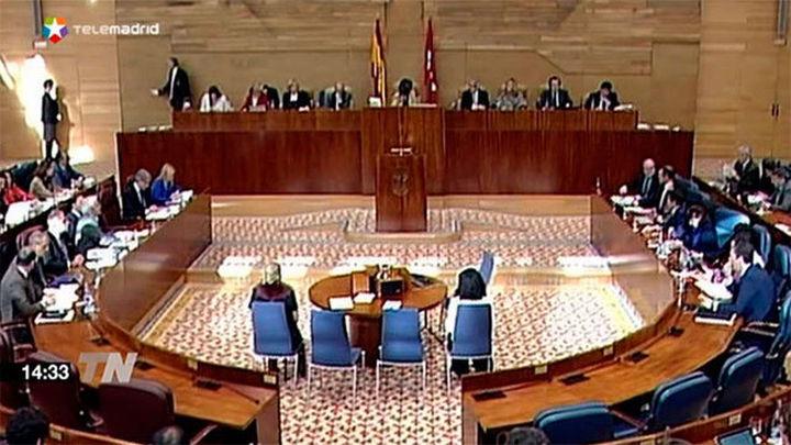 PP, PSOE y Ciudadanos en la Asamblea critican a Podemos por bajar el IBI en Madrid a seis días de las elecciones