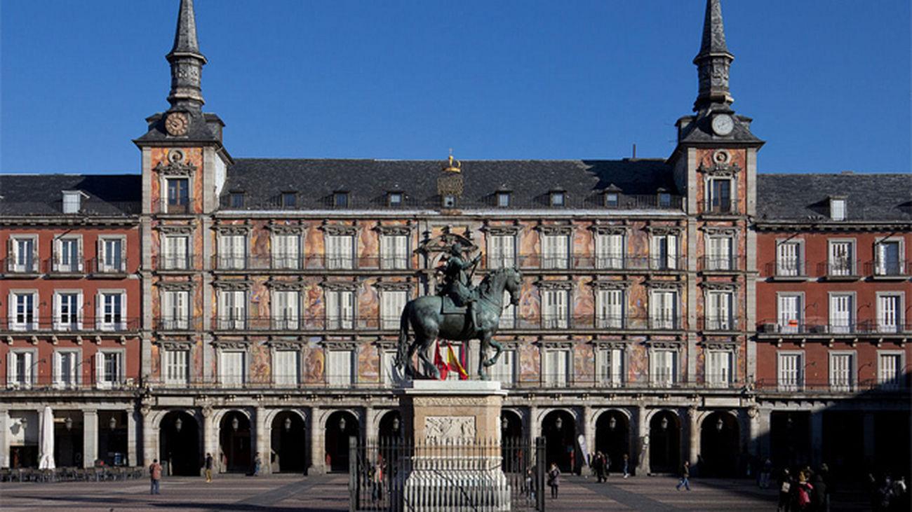 Primera reunión de la Comisión del IV Centenario de la Plaza Mayor