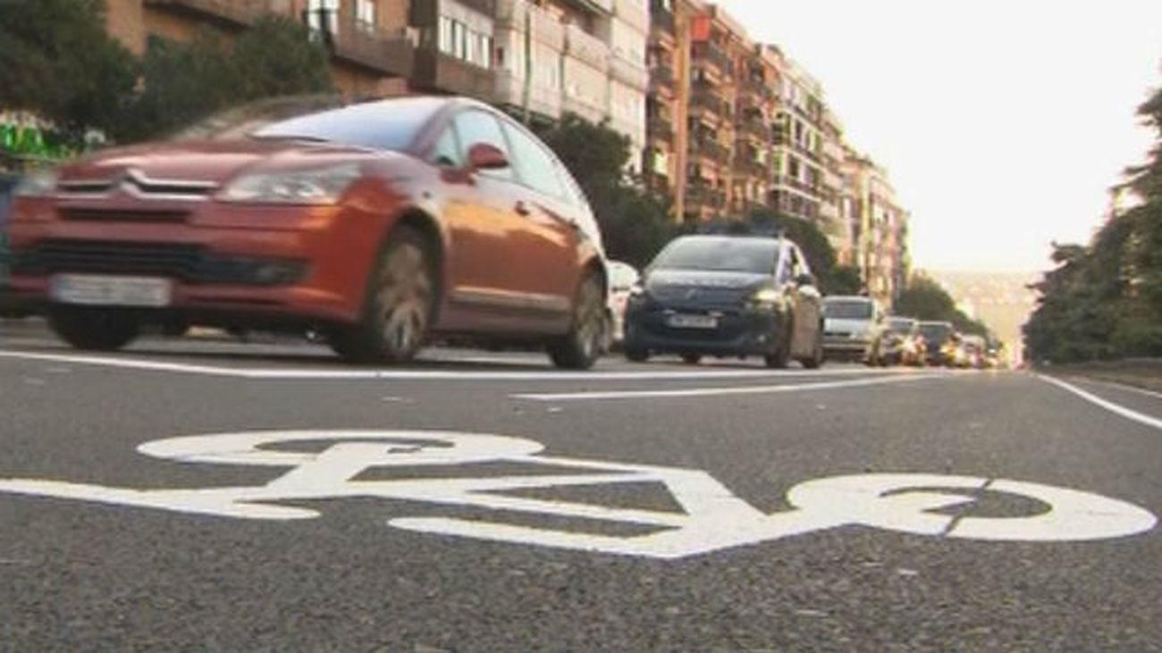Quejas de los conductores por el carril bici entre Puerta de Toledo y Pirámides
