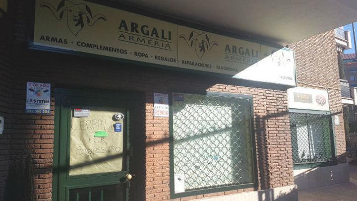 Roban 80 rifles en la armería más antigua e importante de Madrid