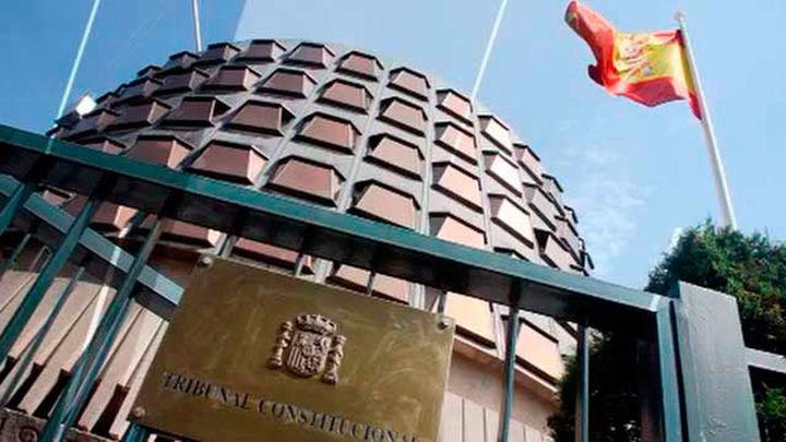 El Constitucional estudiará el recurso contra la suspensión  de cargo público de Junqueras y Romeva