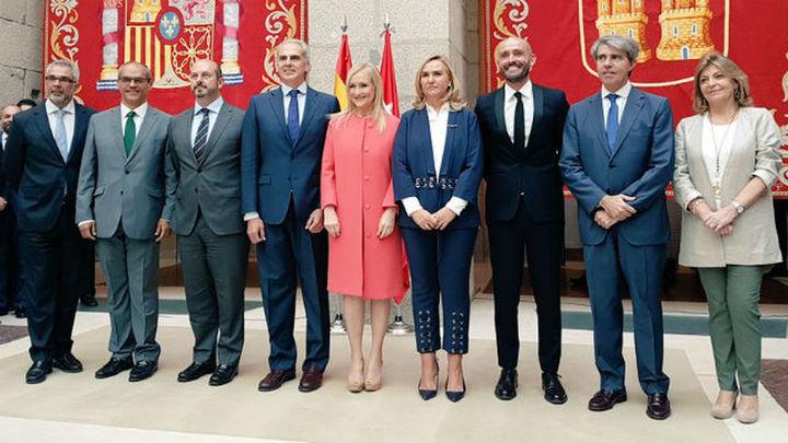 Los nuevos consejeros de Cifuentes toman posesión de su cargos en la Puerta del Sol