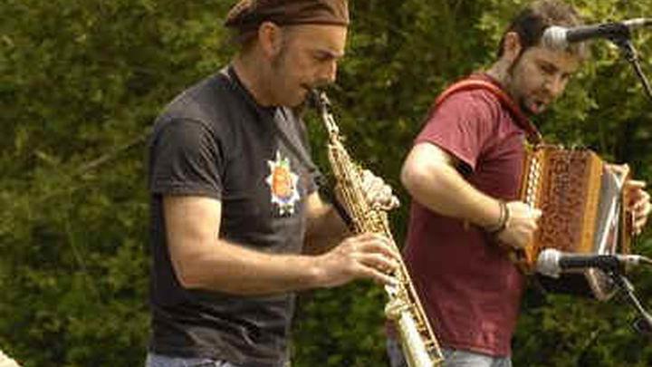 Los músicos callejeros reivindican su derecho a tocar en la vía pública