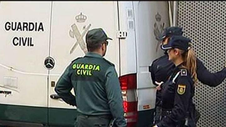 Detienen a dos hermanos por tráfico de drogas en Sevilla La Nueva