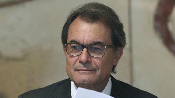 El Tribunal Constitucional suspende el 9N, pero Mas sigue con la consulta
