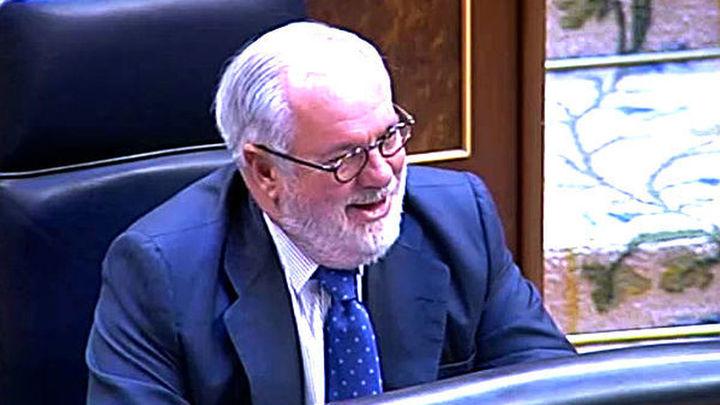 La oposición recurre al 'todos contra Cañete' para tratar de derrotar al PP