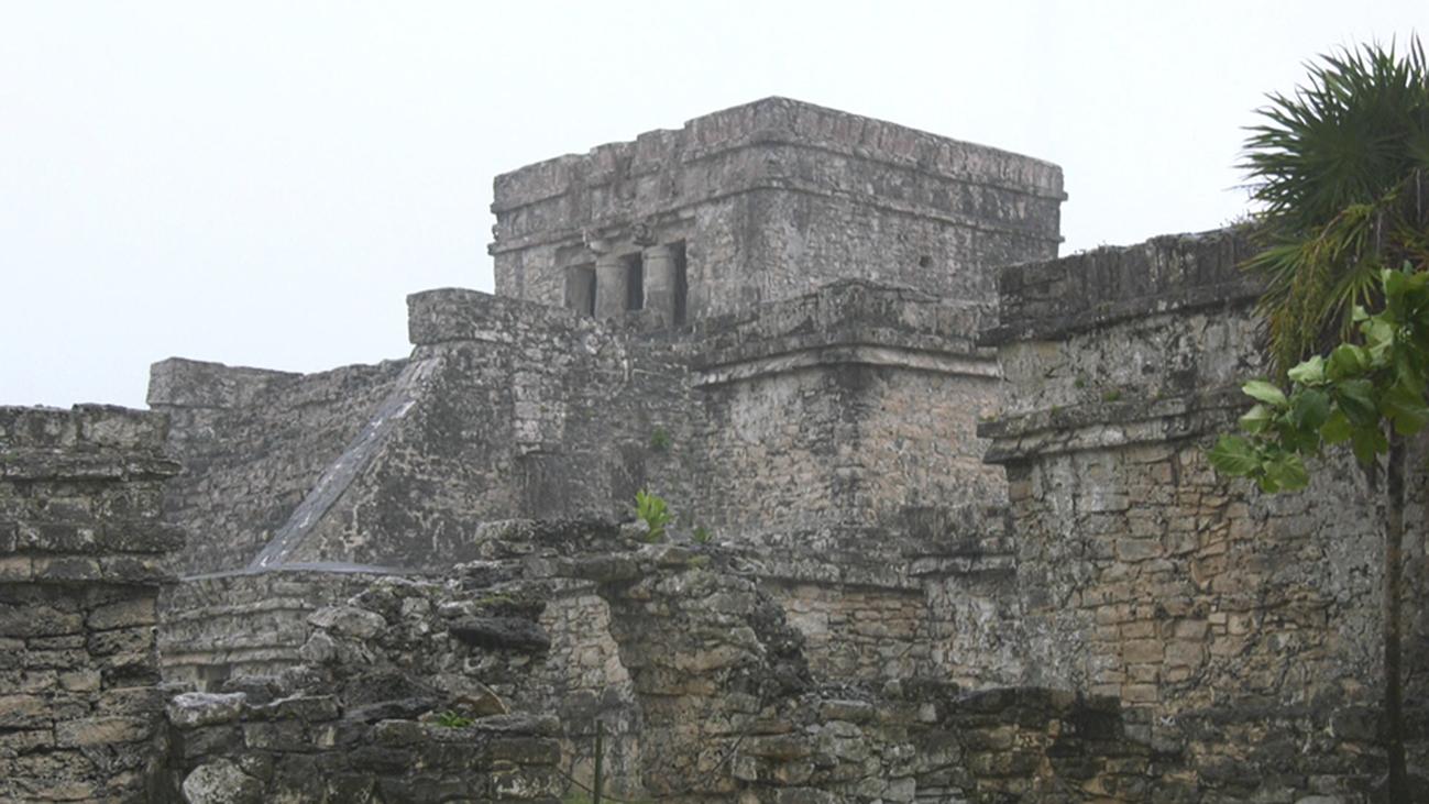 La ciudad maya de Tulum en plena tormenta tropical