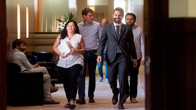 El presidente del Parlament de Cataluña, Roger Torrent, tras la suspensión del pleno