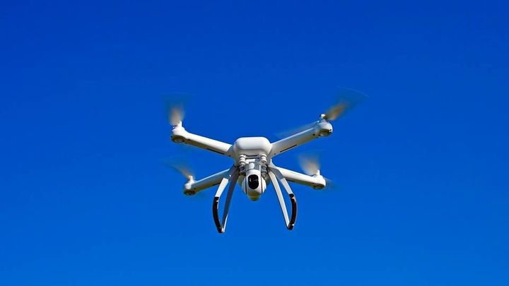 Paracuellos insiste en la prohibición de volar drones en todo el término municipal