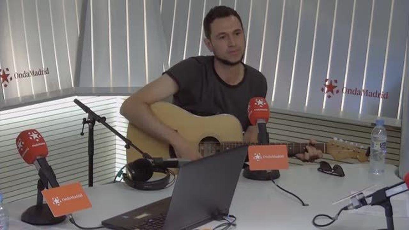 Rodrigo Mercado canta en directo 'Yo fanfarria y tú ballet'
