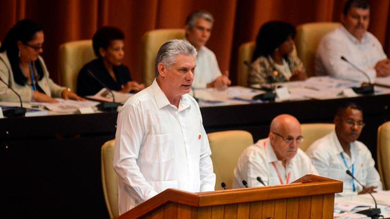 """Cuba elimina la palabra """"comunismo"""" en el borrador de su nueva Constitución"""