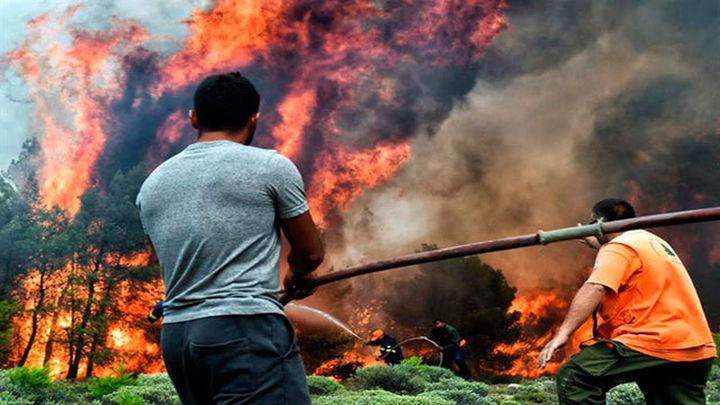Al menos 74 muertos y 187 heridos en los incendios al noreste de Atenas