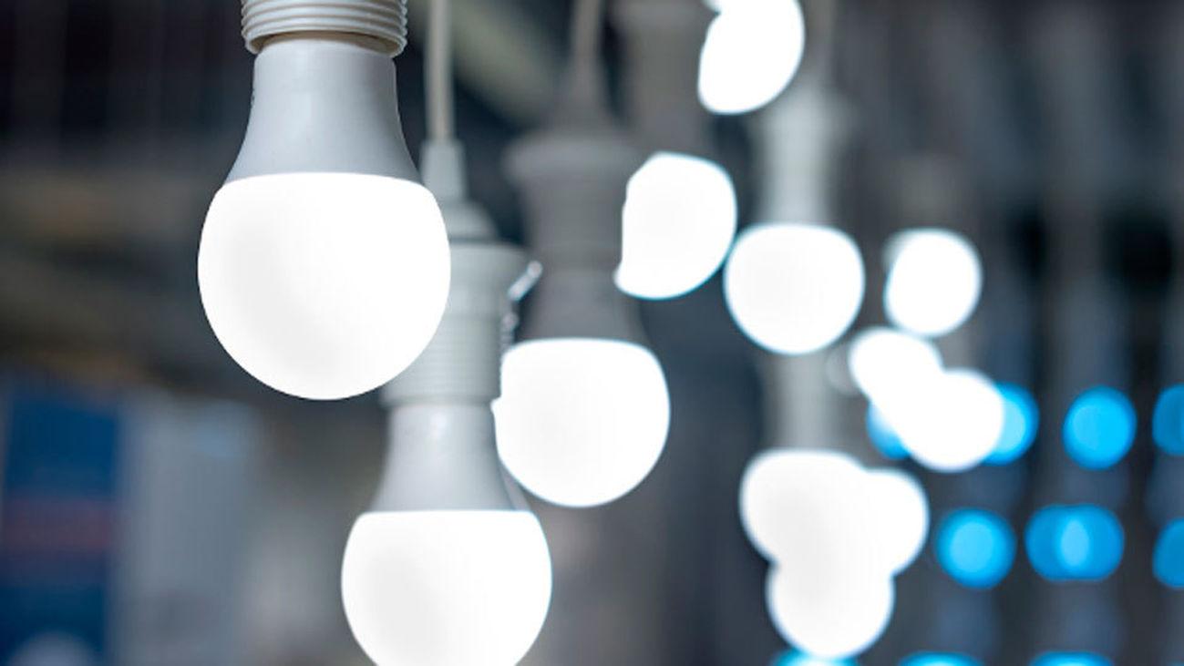 Cómo ahorrar con bombillas ante la subida de la luz