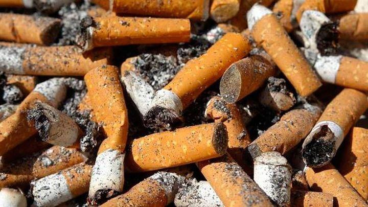 Localizan 6.500 paquetes tabaco de contrabando en dos autocares en La Jonquera