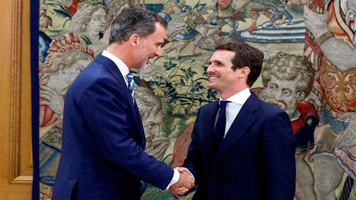 Felipe VI recibe a Casado como nuevo líder del PP