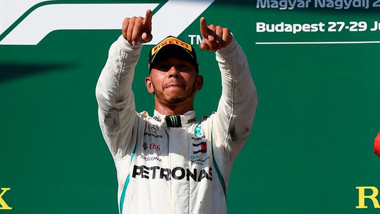 GP Hungría: Hamilton refuerza su liderato; Alonso 8º y Sainz 9º