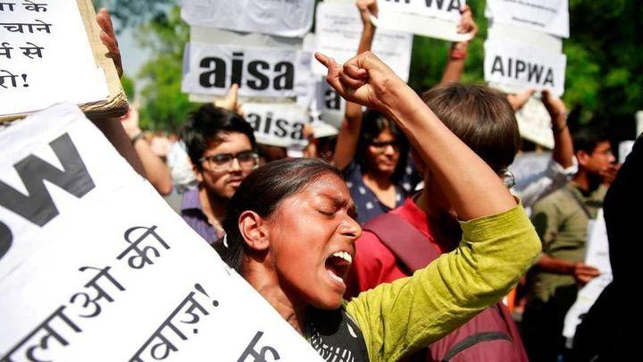 La Cámara Baja india aprueba la ley de pena de muerte para violadores de menores