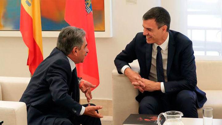 Sánchez promete acelerar el AVE a Cantabria y pagar las obras Hospital Valdecilla