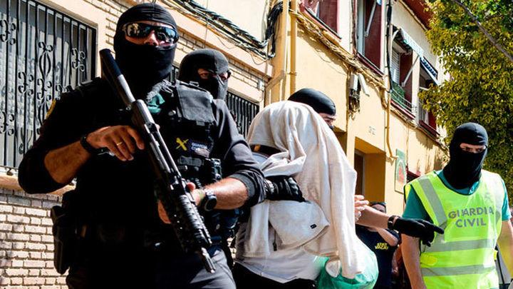 La Guardia Civil detiene en Mataró a dos hombres por reclutar a islamistas para terrorismo yihadista