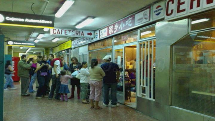 Cierra el chino subterráneo de plaza de España por las obras de renovación