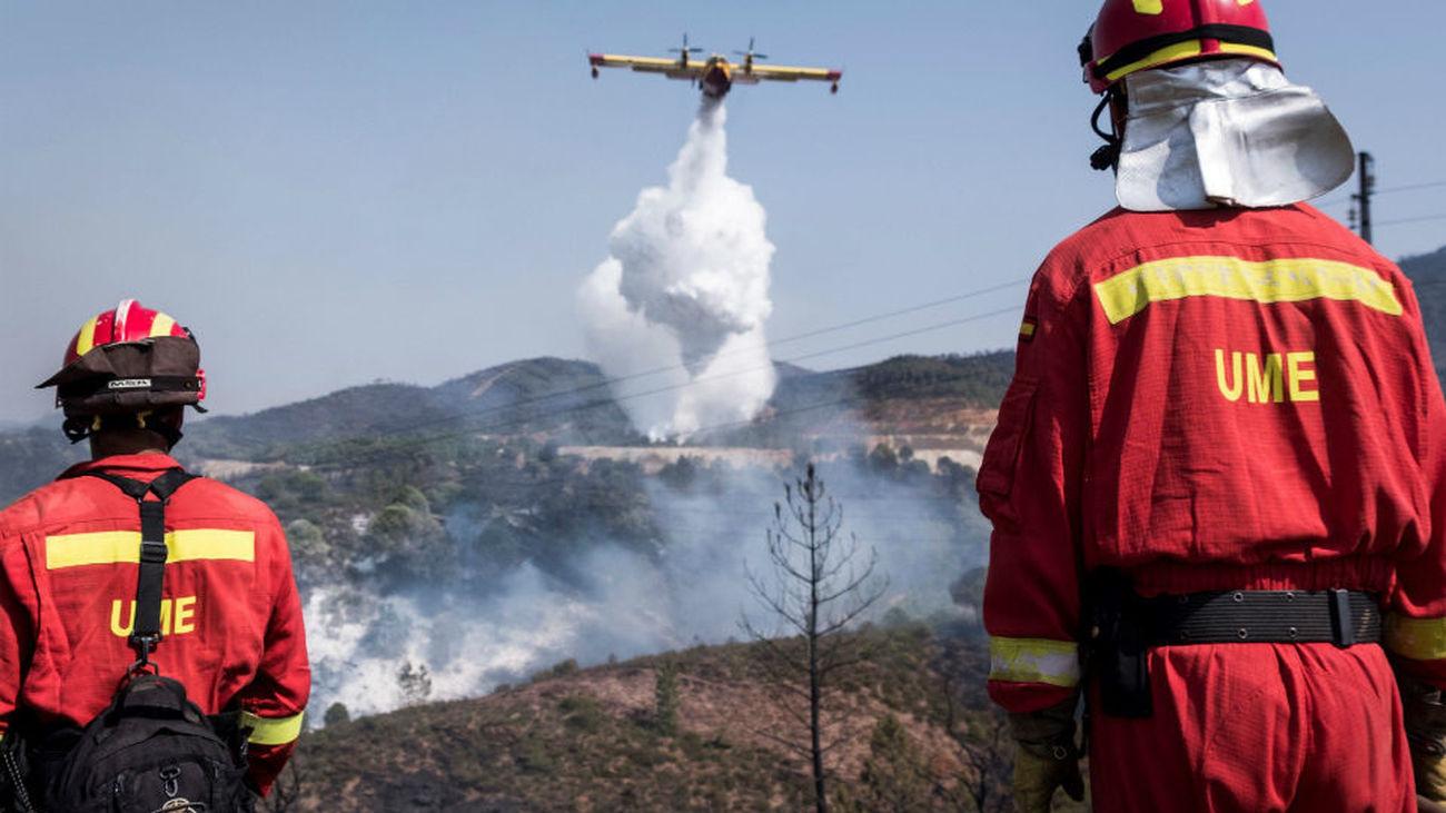 La reactivación de un foco obliga a nueva intervención medios aéreos en Nerva
