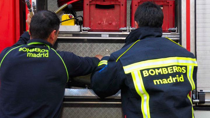 Un incendio destruye la cubierta de la parroquia de la Cañada Real