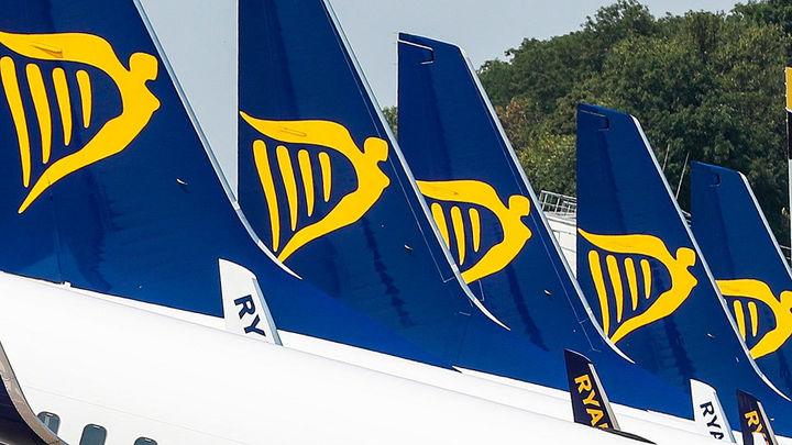 Los sindicatos de Ryanair estudian una huelga de tres días en Navidad