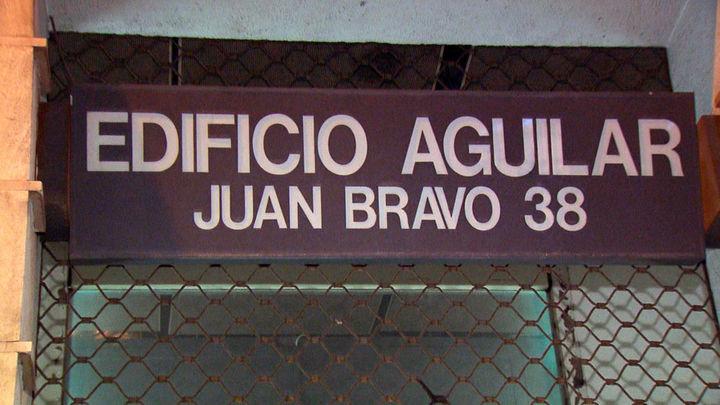 La Policía desaloja a los miembros de Hogar Social Madrid que okupaban el antiguo Edificio Aguilar