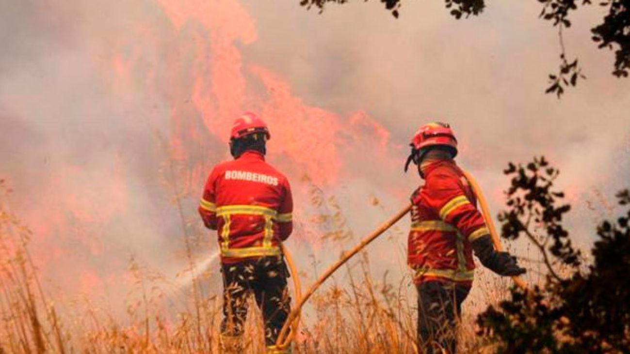 Combatir el fuego en días de calor